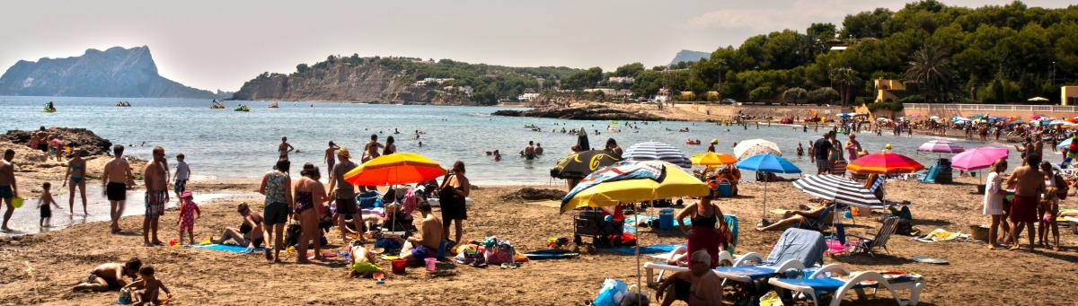 The L'Ampolla beach in Moraira